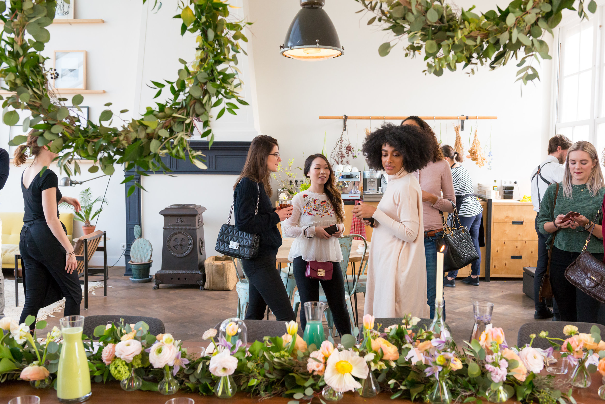 A.P Bloem bloemist bloemen flowers botanical florist event evenement beauty bohemian styling wreaths garland guirlande krans haircare Maria Nila the playing circle Mooi The Agency