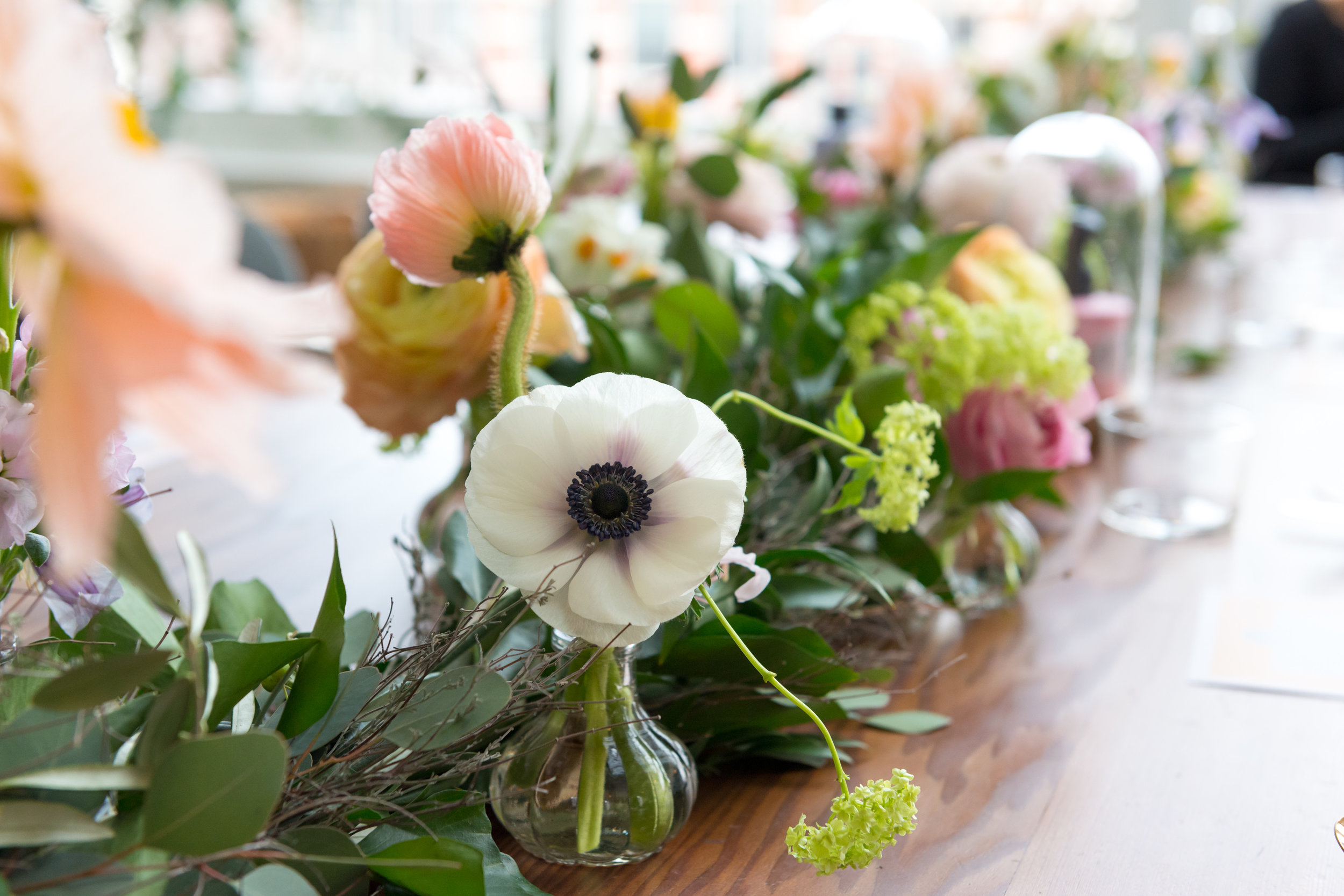 A.P Bloem bloemist bloemen flowers botanical florist event evenement beauty bohemian styling wreaths garland guirlande krans haircare Maria Nila the playing circle Mooi The Agency pastel anemone