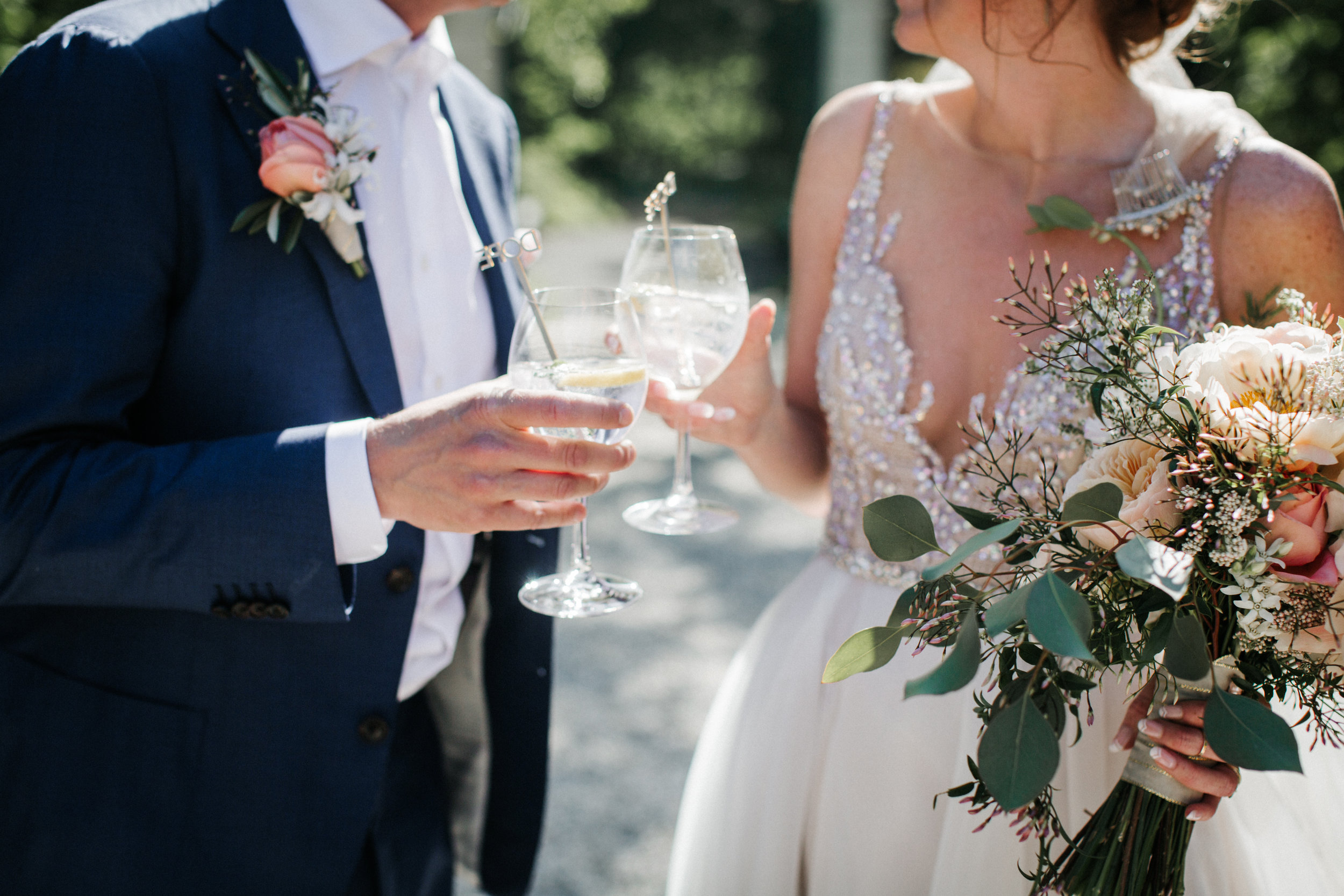 #apbloem #florist #kerkstraat #amsterdam #flowers #bloemen #bloemist #flowers #bouquet #boeket #arrangement #photoshoot #peony #bruiloft #trouwen #bloemenbezorgen #wedding #love #liefde #event #evenement #garden #tuin #bridalgown #blackandwhite #bruidsjurk #justmarried #bridalcouple #weddingflowers #weddingphotography #weddinginspiration #pastel #proost