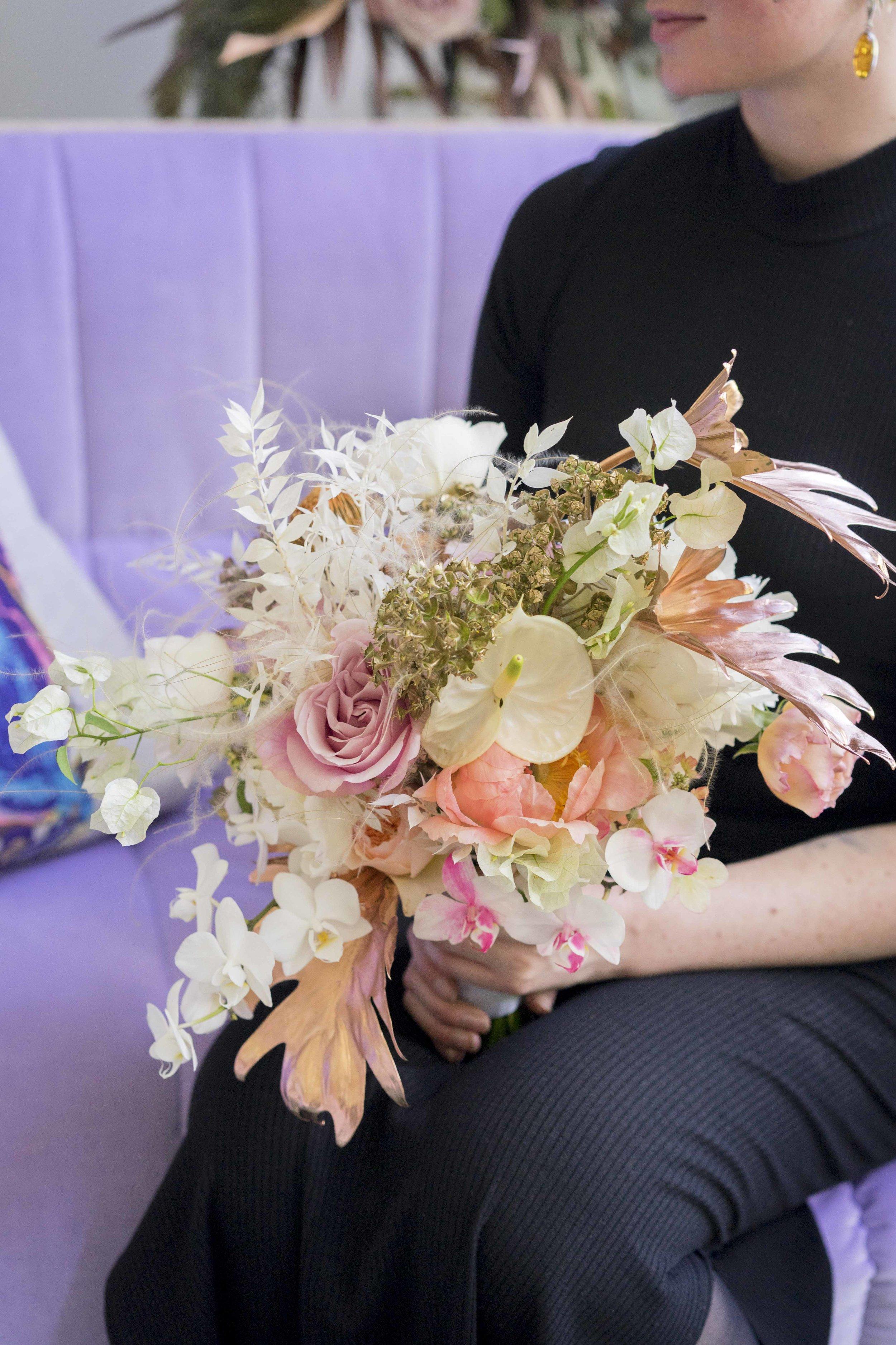 #apbloem #florist #bloemist #amsterdam #bridalbouquet #bloemen #kerkstraat #trouwen #event #love #liefde #bloemen #flowers #wedding #bruiloft #dscolor #dsfloral #weddingstyling #peony #styling #bruidsboeket