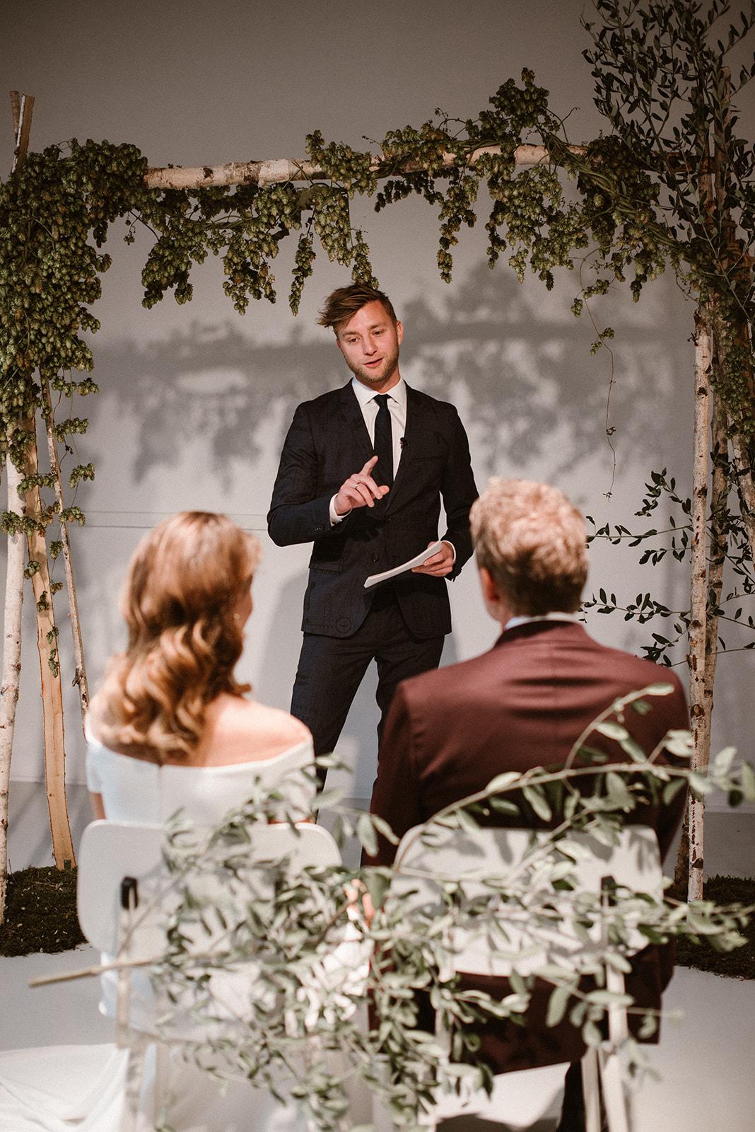 apbloem florist Amsterdam bloemist #girlsofhonour #portrait #bruiloft #trouwen #event #love #liefde #wedding #hotel #itsallmagic #theadventurebegins #weddingday #weddingstyling #weddinggoals #bruid #bride