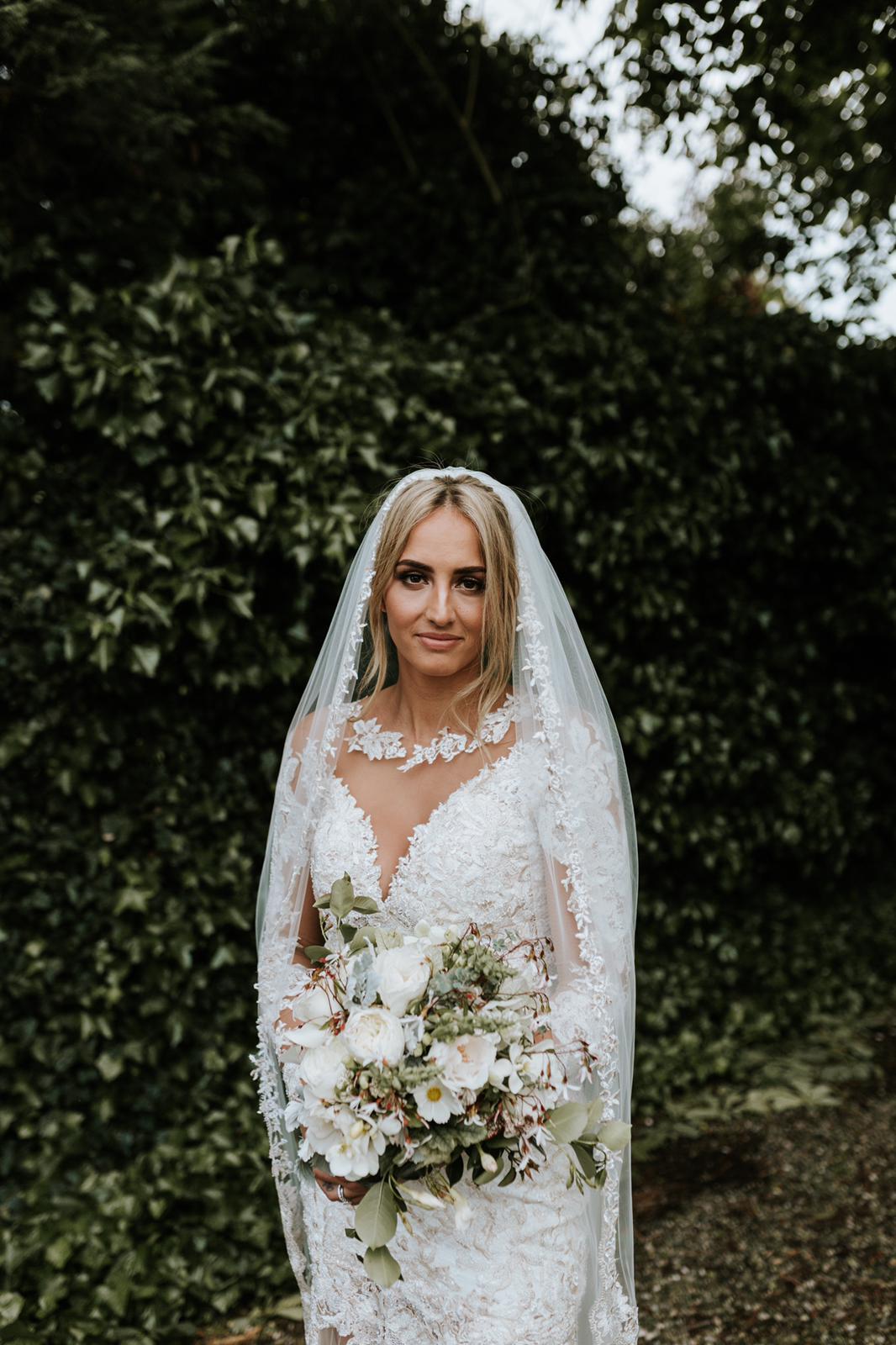 #apbloem #florist #bloemist #amsterdam #bloemenwinkel #kerkstraat #bloemen #flowers #weddingstyling #bruiloft #trouwen #liefde #bride #wedding #marriage #bruidsboeket #floraldesign #mordernwedding #modernbride #greenhouse #kas #planten #styling #interiorstyling #white #wit #bruid