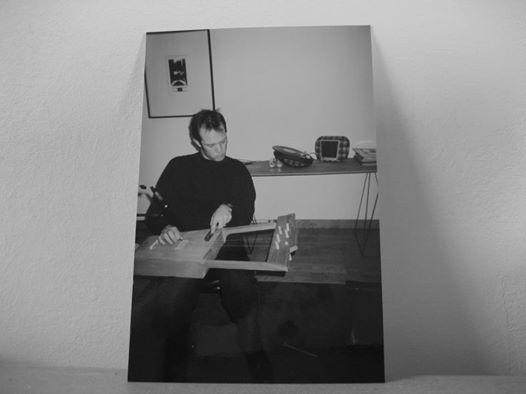 Playing Krar. Tapage Club. Paris, 1989