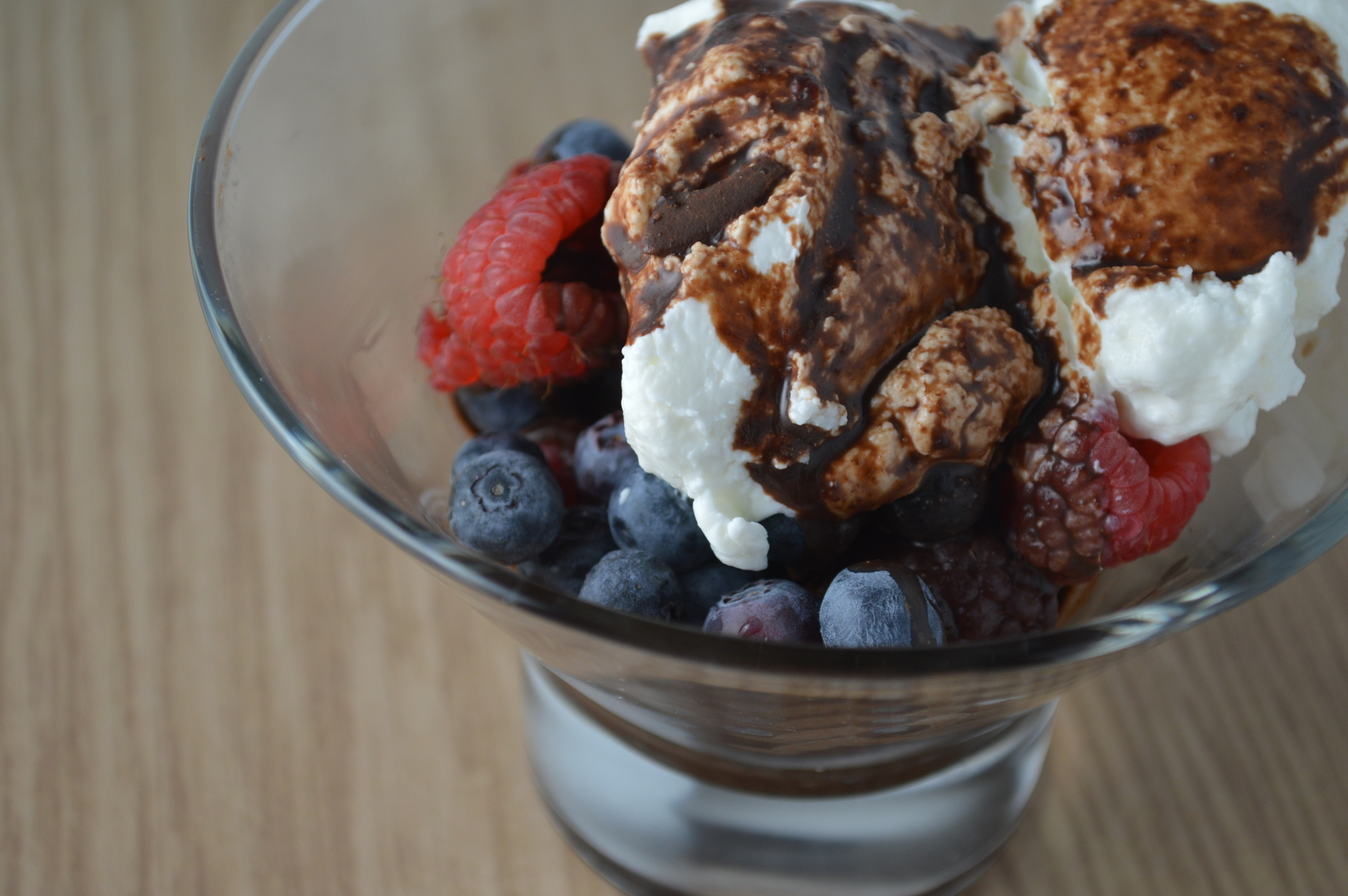 Chocolate Hard Shell Sundae