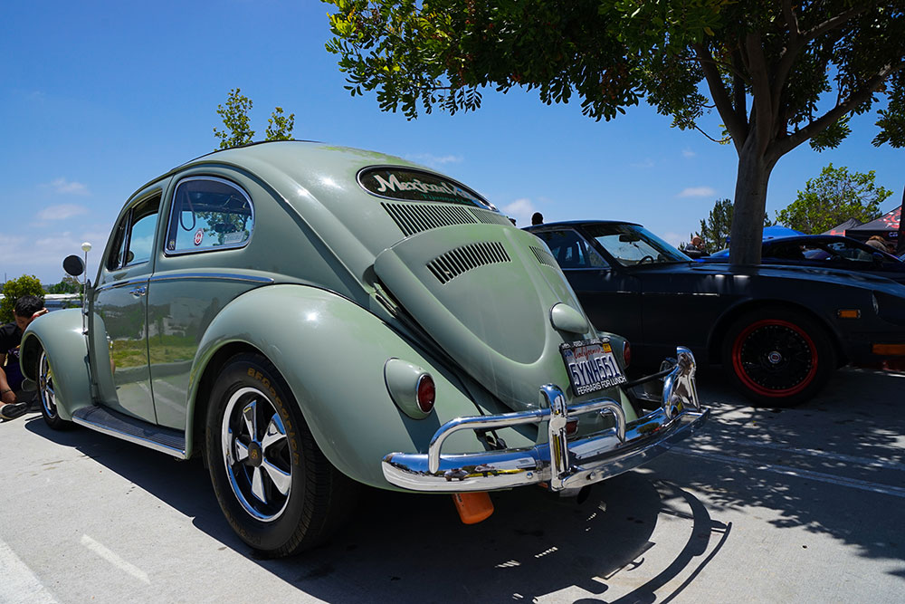 Turbo'ed out Cal look oval window, no big deal, we see these every day...wait, what?