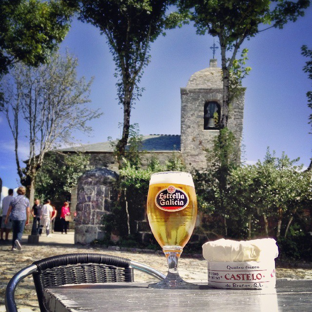 Delicious Cebreiro cheese and my favourite beer