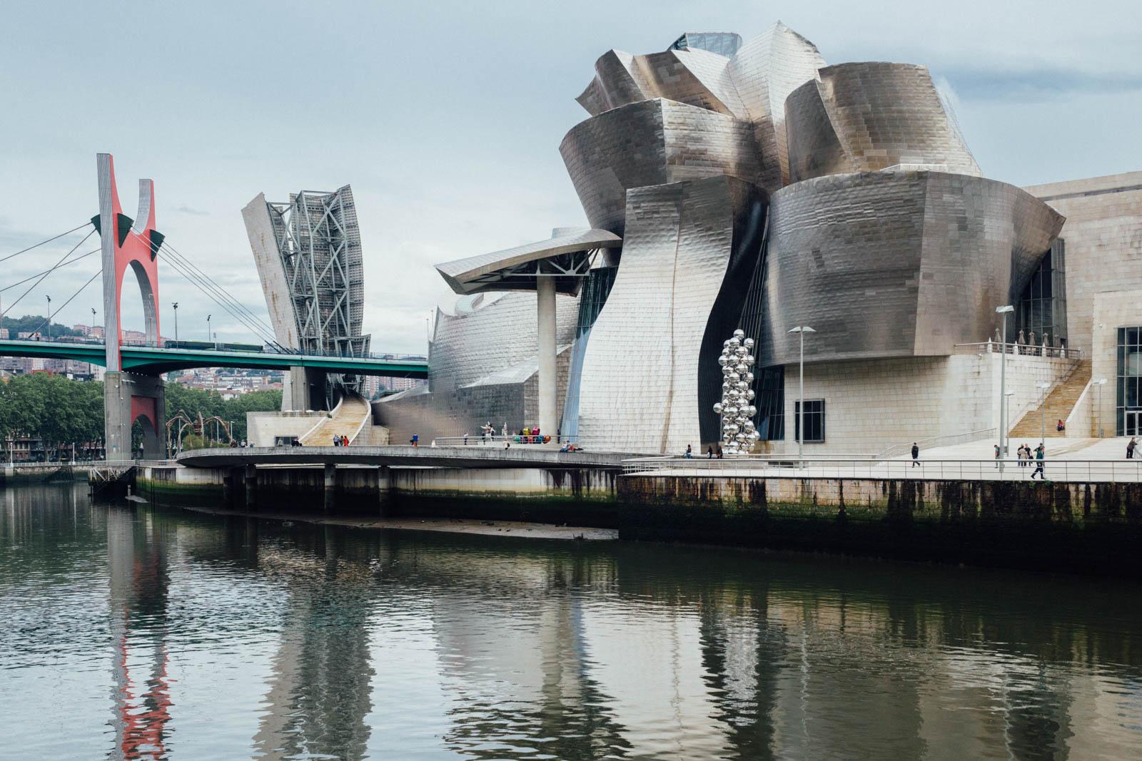 El impresionante Museo Guggenheim de Frank Gehry