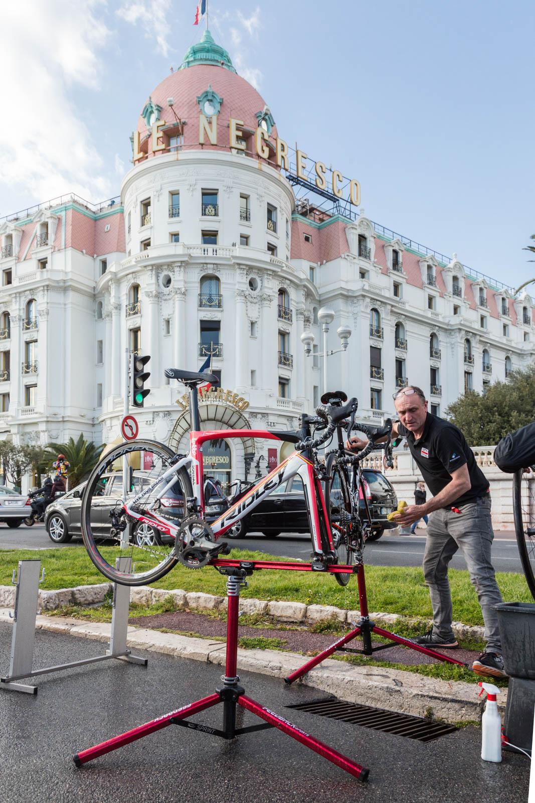Paris-Nice Stage 7 - © Ivan Blanco 2016 LR-8639.jpg