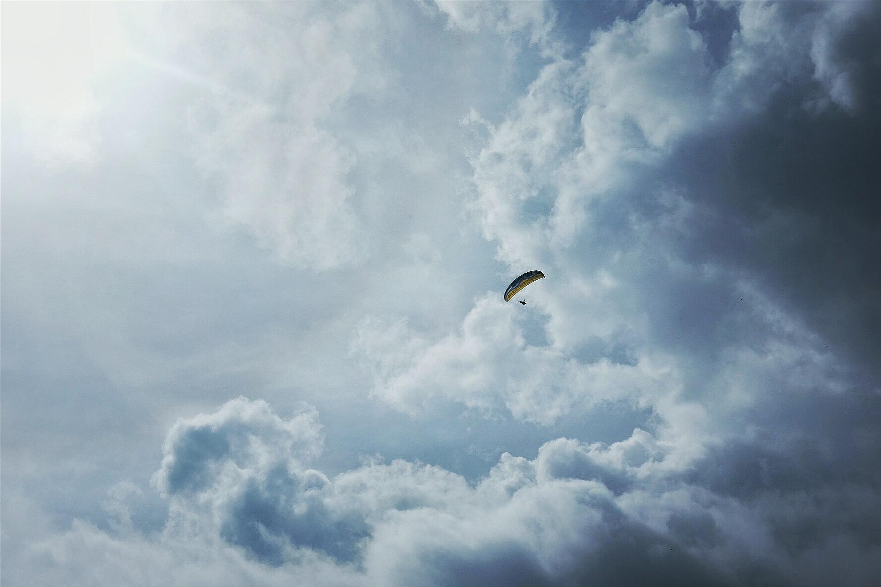 Sportive Louis Caput 2016 by Ivan Blanco - Paraglider Icarus Sky Blue Sun Cycling Landscape France Gourdon South Provence