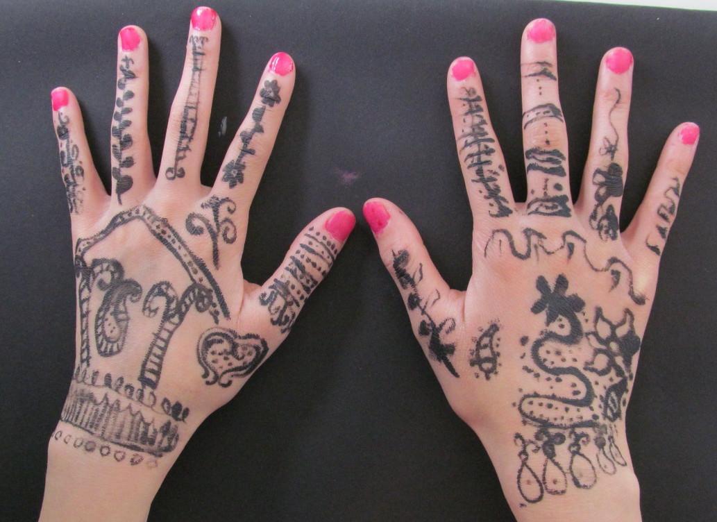 hand chloe.jpg