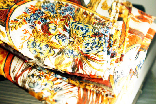 Beautiful vintage hand rolled plump hem pocket square in a beautiful silk crepe fabric with pheasant
