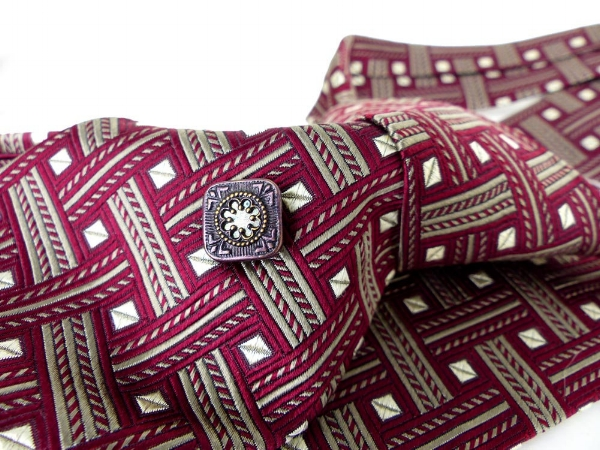 Tall size, Extra long, Rare  City of London by Ferrell Reed  for Nordstrom hand woven in England silk necktie.Classic style in burgundy and pewter gray geometric. Pristine condition. Shown with one of our antique upcycled magnetic tie tacks. Mag TAK. $38