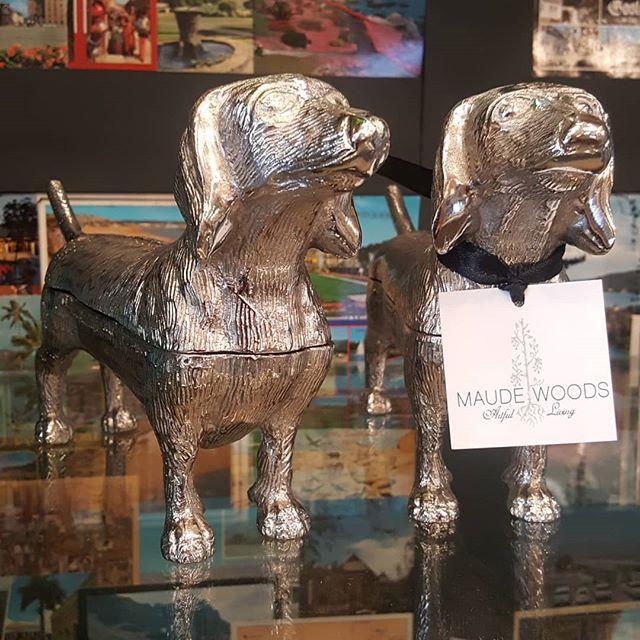 Hot dog! While we missed #weinerdogwednesday we are coming up on #weinerdogweekend so it still feels appropriate to post these adorable dachshunds. (P.S. they're the cutest lidded boxes.) Enjoy the weekend. #maudewoodswh . . . #maudewoods #maudewoodsstore #artfulliving #weinerdogsofinstagram #tgif #adorabledachshunds #giftsfordoglovers #decoratewithdogs #doxielove #woodlandhillscalifornia #calabasas #encino #homedecor #venturablvd #losangelesinteriordesigner #happyanniversaryfromthedog #valleycountrymarket #postcardcollage #giftsfordad #wegiftwrap