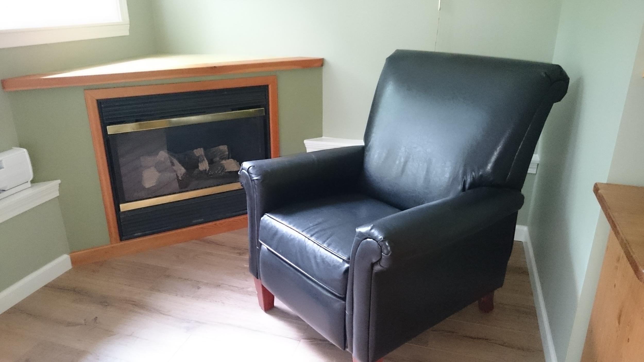 creekside chair and fireplace.JPG
