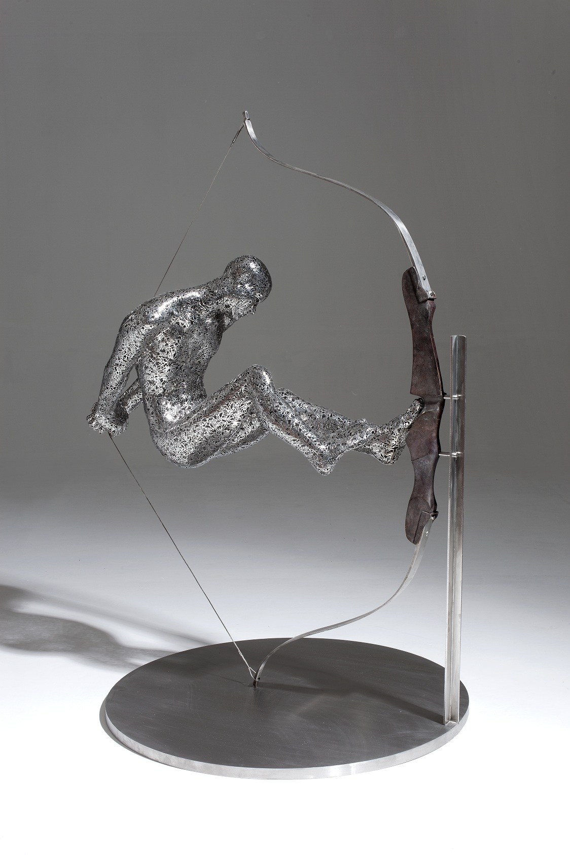 Zheng Lu 郑路, Bow Without an Arrow No.1 张弓无箭 No.1, 2011, Stainless steel and bronze 不锈钢、铜, 133 x 50 x 93 cm