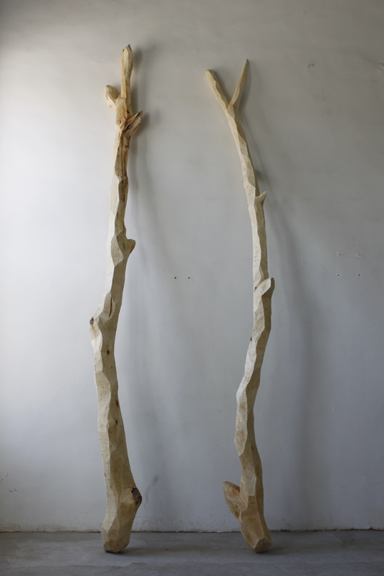 Yang Xinguang 杨心广, Portrait of Two Stupid Men 肖像之阿呆与阿瓜 2011, Wood 木, 120 x 80 x 355 cm