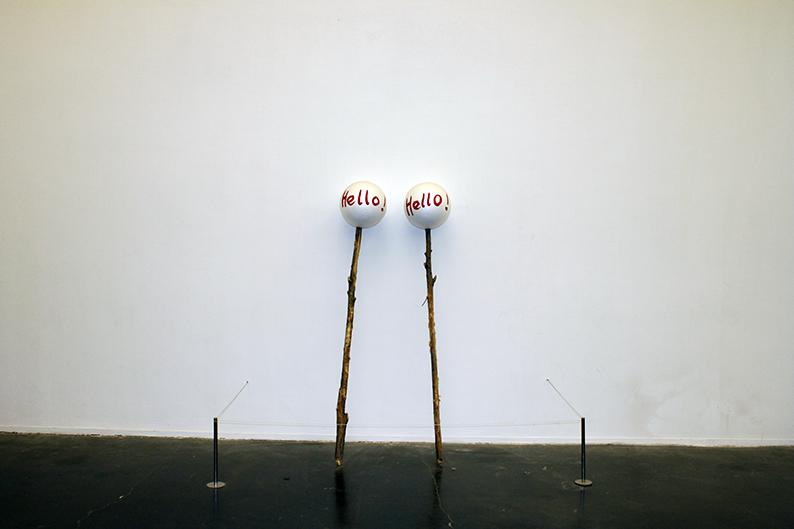 Yang Xinguang 杨心广, Hello, 2012, Wood and foam 木、泡沫球, 175 x 30 x 30 cm x 2