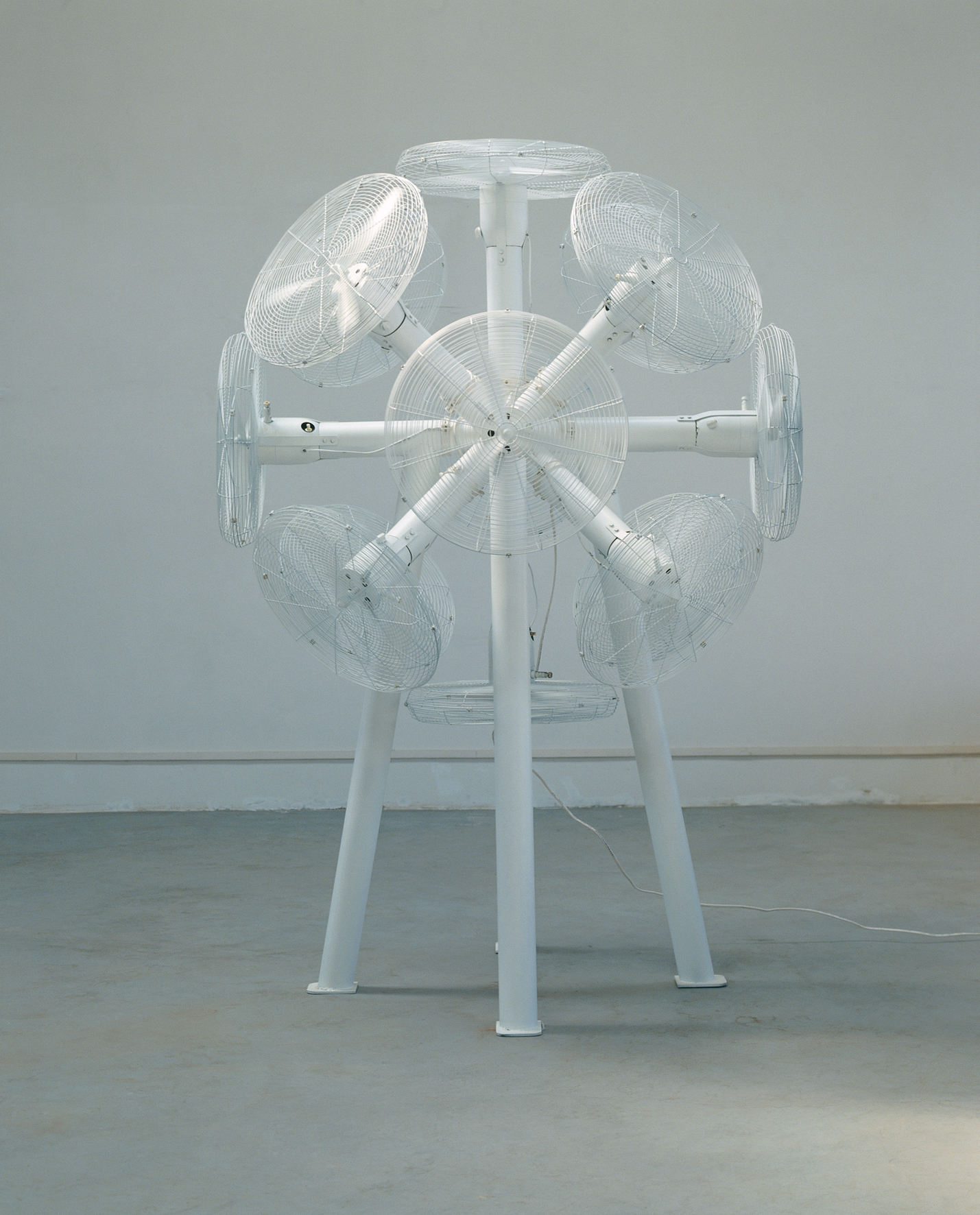Gao Weigang 高伟刚, Buzz No.1 嗡嗡嗡一号, 2008, Electric installation and steel 电动装置、钢, 270 x 190 x 190 cm