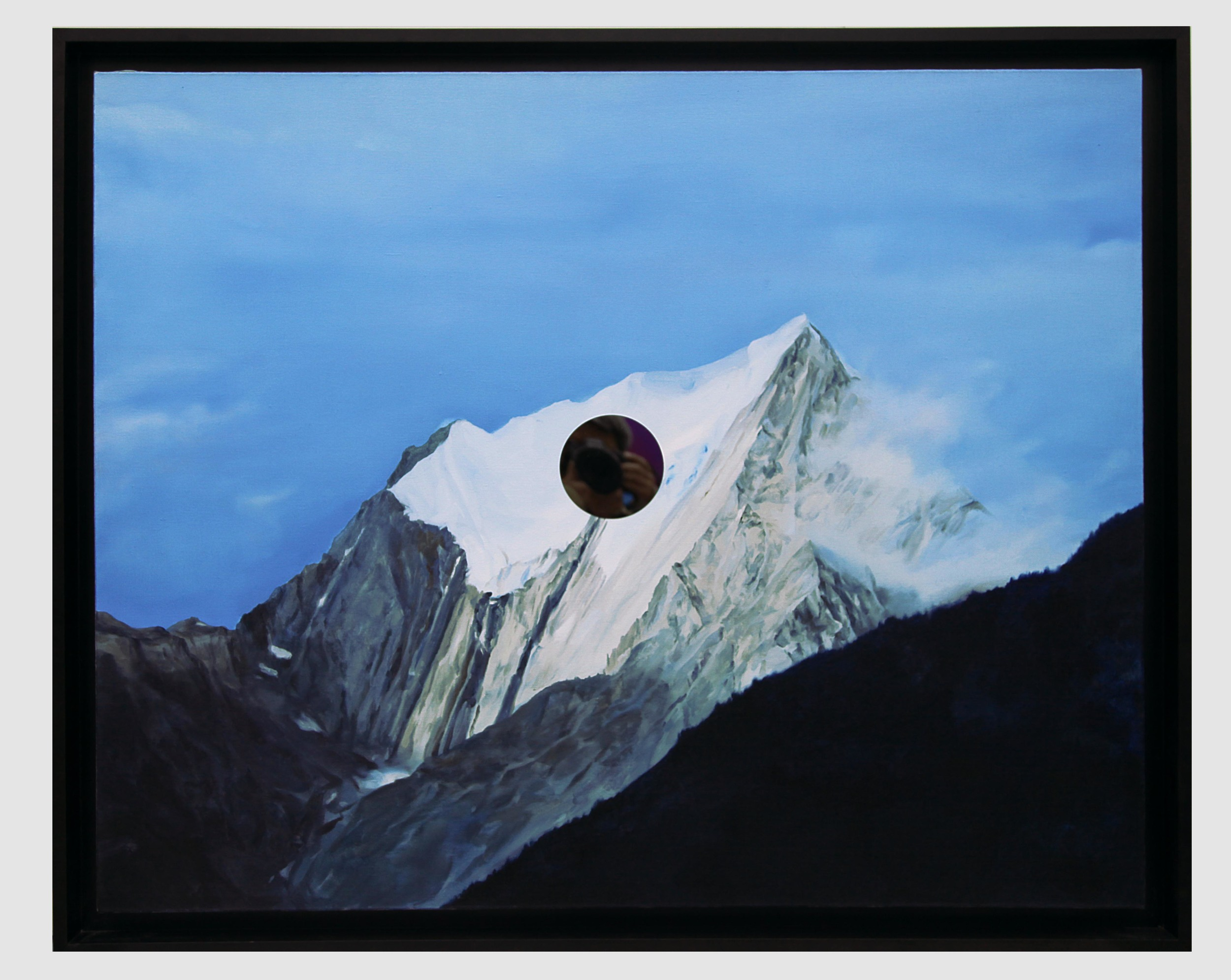 Gao Weigang 高伟刚, Echo 5 回声之五, 2012, Oil on canvas and mirror polished steel 布面油画、不锈钢镜, 120 x 150 cm