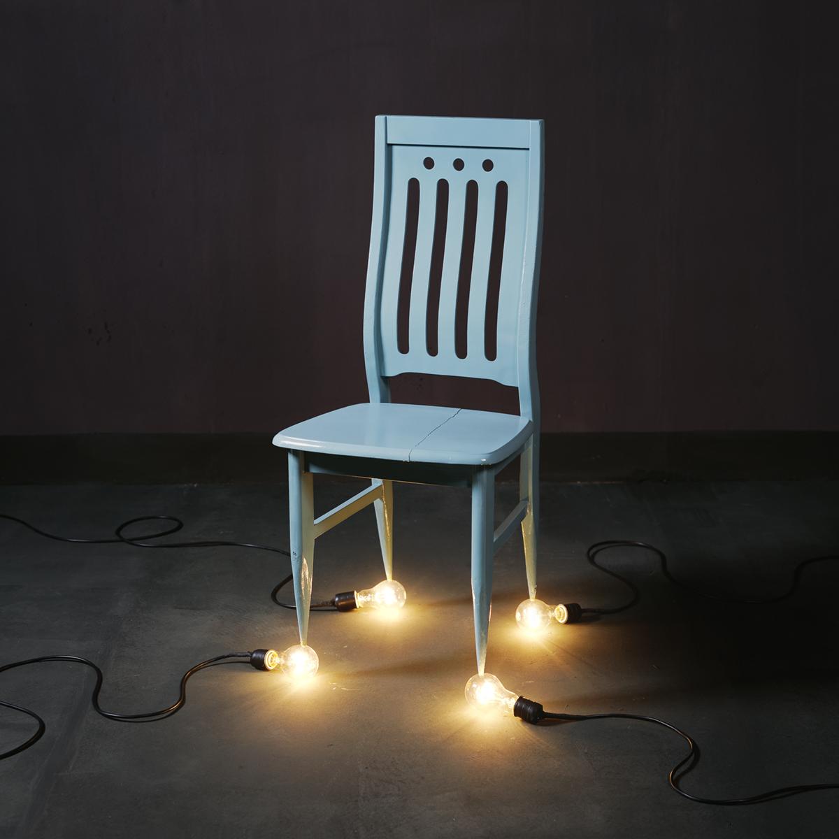 Chen Wei 陈维, A Chair and Four 100 Watt Bulbs, 2010, Archival inkjet print 收藏级艺术微喷, 100 x 100 cm