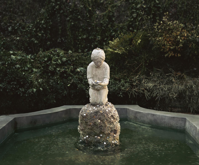 Chen Wei 陈维, A Boy in the Fountain Basin, 2012, Archival inkjet print 收藏级艺术微喷, 150 x 180 cm