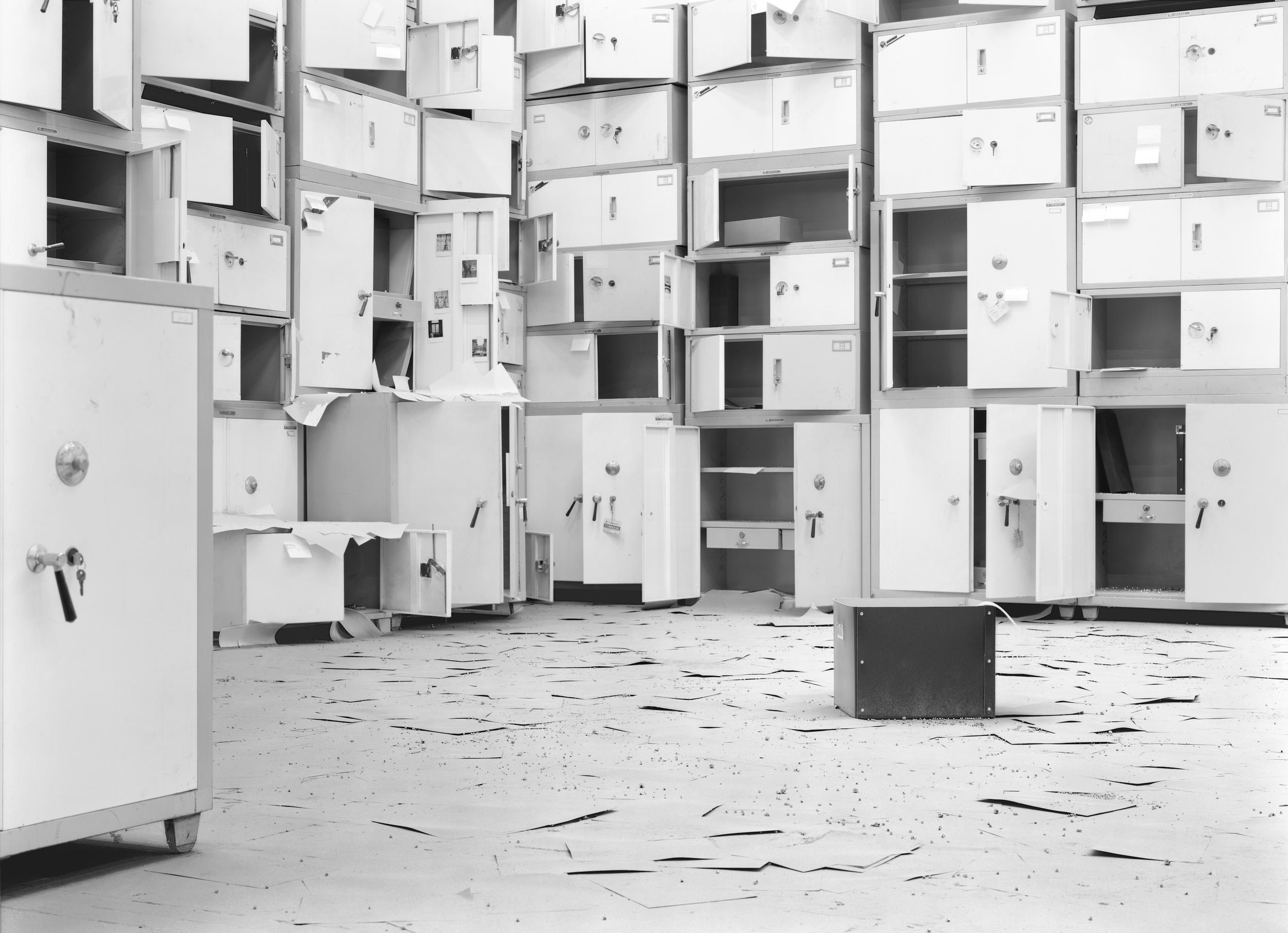 Ji Zhou 计洲, Dust No.7 尘之七, 2012, Ultra Giclee 艺术微喷, 150 x 207 cm