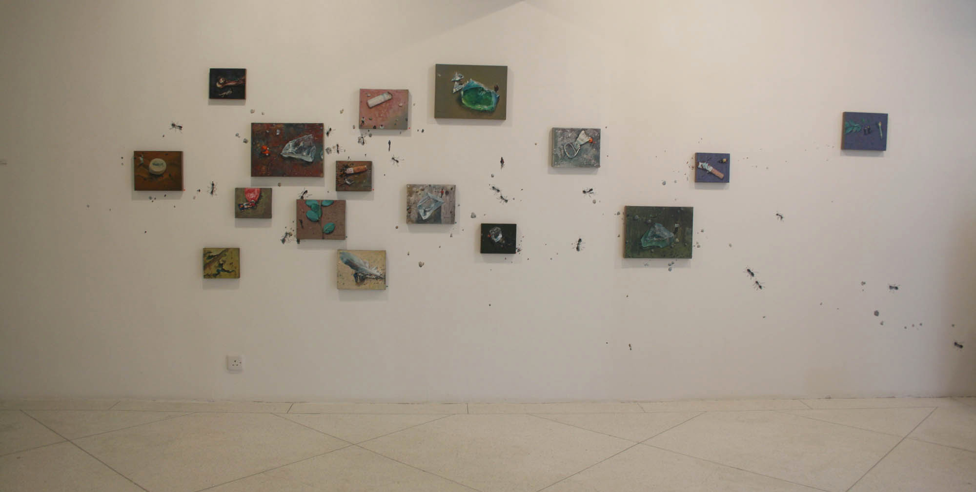 Zhou Jinhua 周金华, The Lost Angels 天使遗落在人间, 2011, Painting installation 布面油画装置, Dimensions variable 尺寸可变