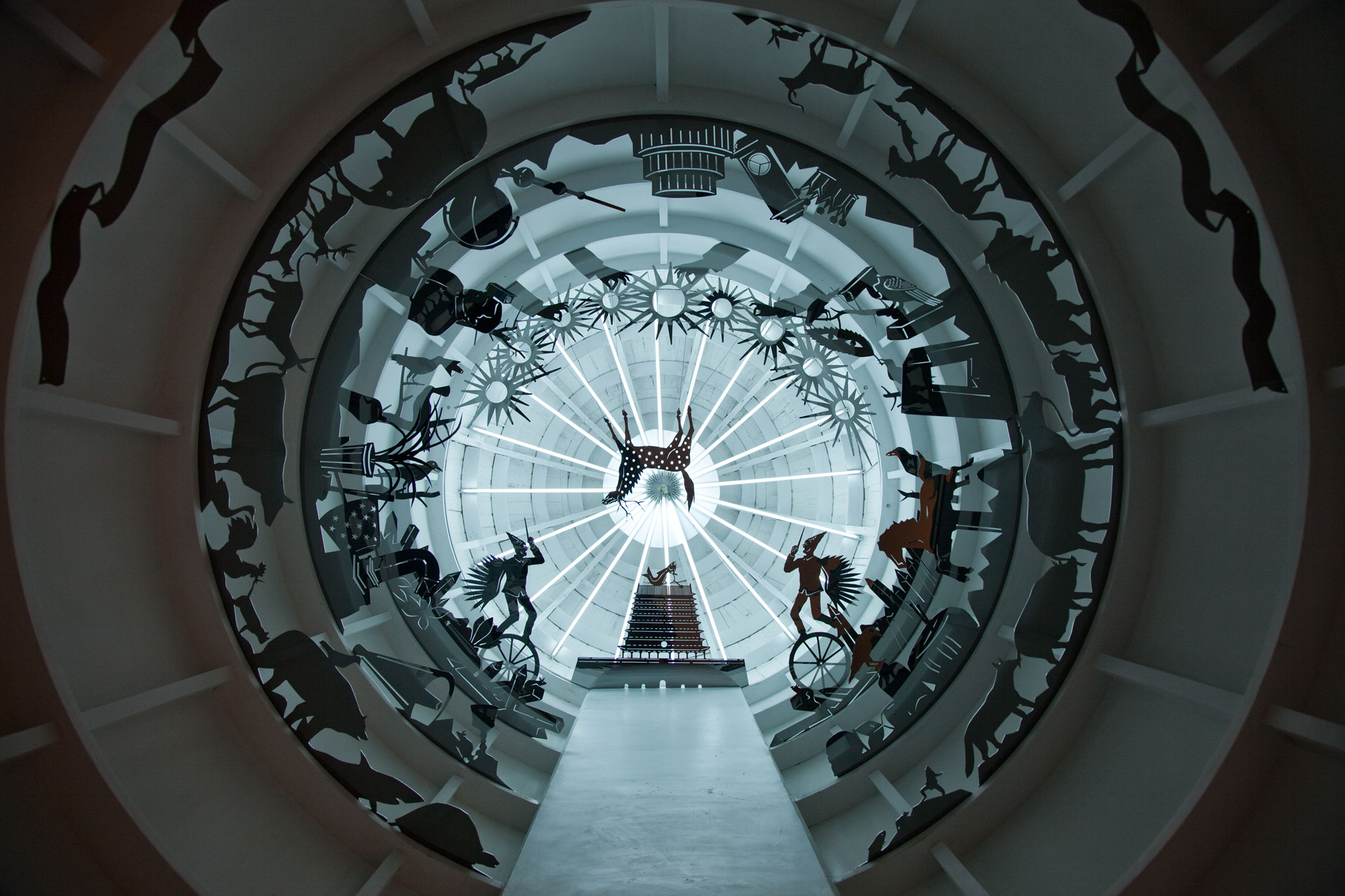Wu Junyong 吴俊勇, Time of Stomach 时间的胃, 2011, Muti-media video installation 录像、装置、绘画, 250 x 400 x 400 cm x 2