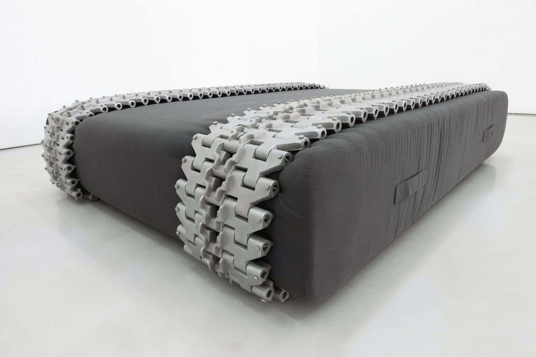 Gao Lei 高磊, C-45, 2013, Foam canvas and metal apron wheel 海绵、帆布、金属履带, 262 x 200 x 59 cm