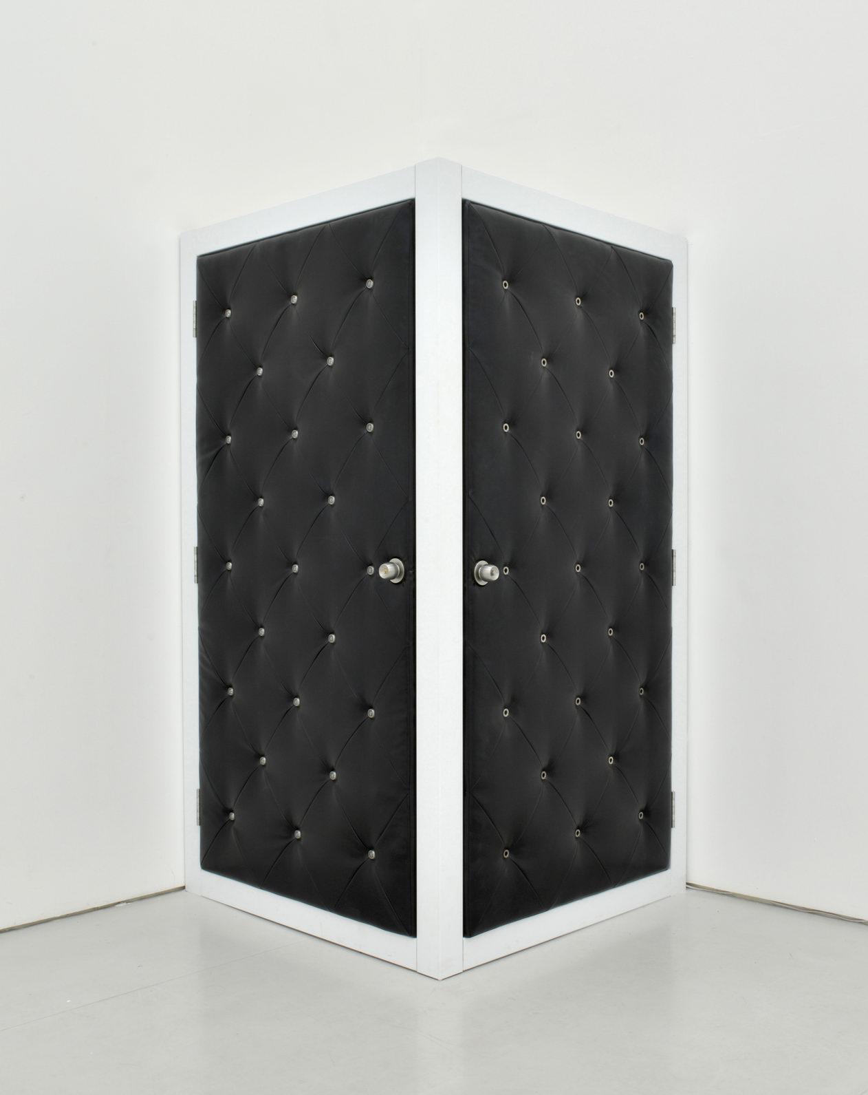 Gao Lei 高磊, L-8937, 2013, Aluminium fake leather peephole dumbbell earphone steel frame 铝、人造皮革、门镜、哑铃、监听耳机、钢架, 130 x 130 x 240 cm