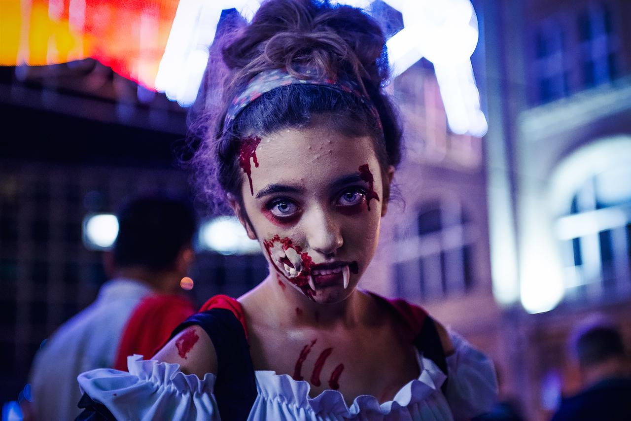 Zombie_Walk_Essen_2014_20141031_0025_1280px.jpg