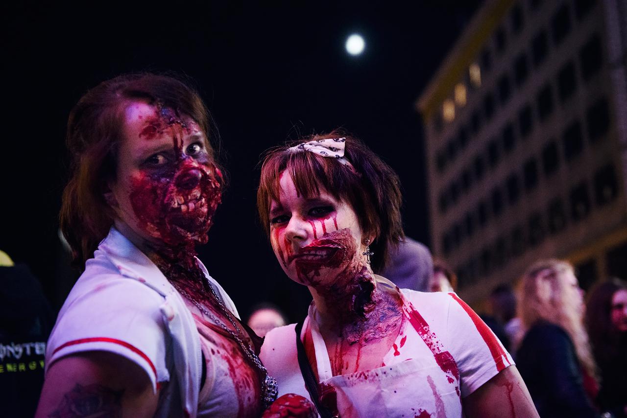 Zombie_Walk_Essen_2014_20141031_0037_1280px.jpg