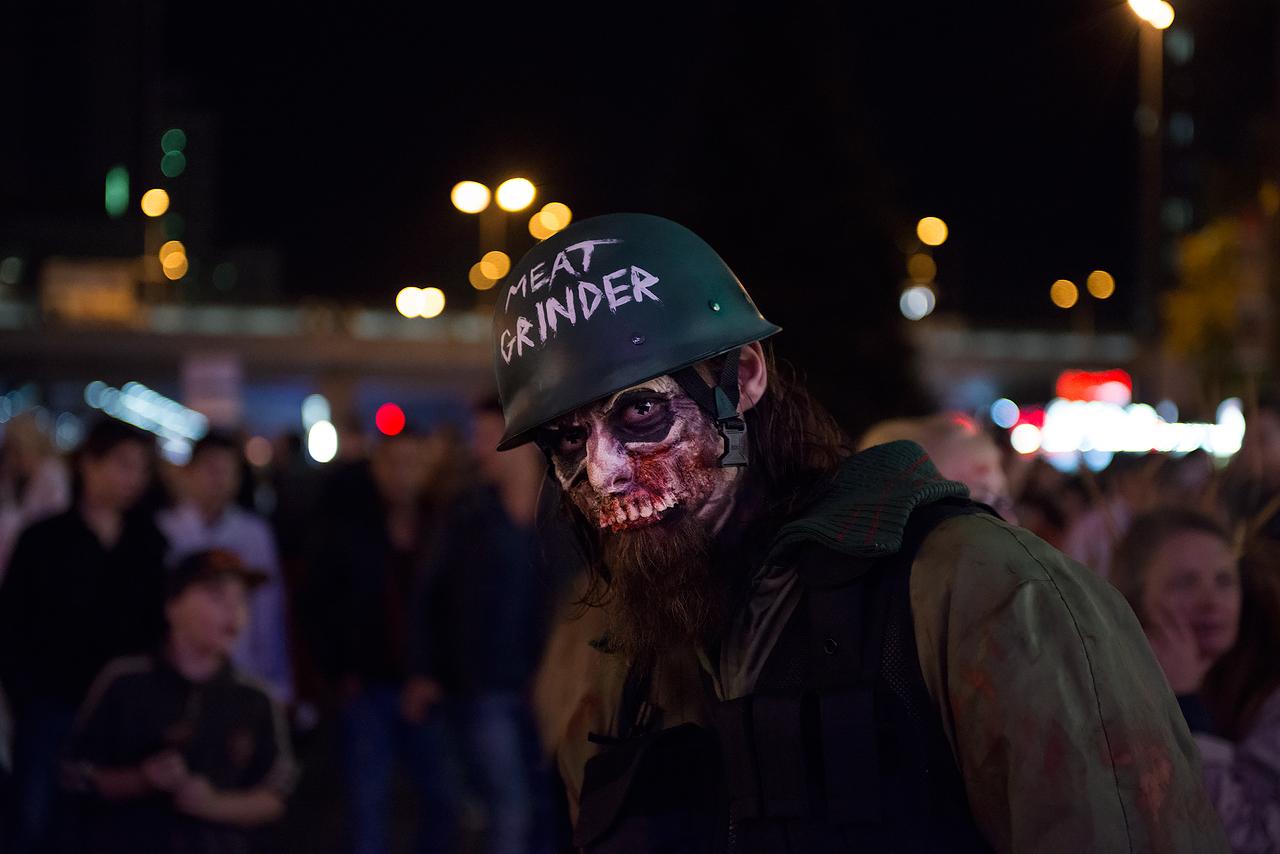 Zombie_Walk_Essen_2014_20141031_0039_1280px.jpg