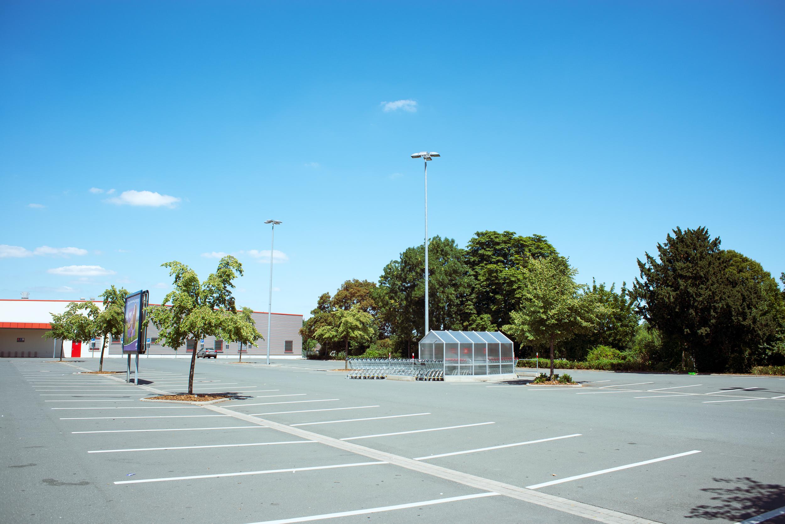 Supermarkt-Parkplatz_Kaufland_20180708_0290_2500px.jpg