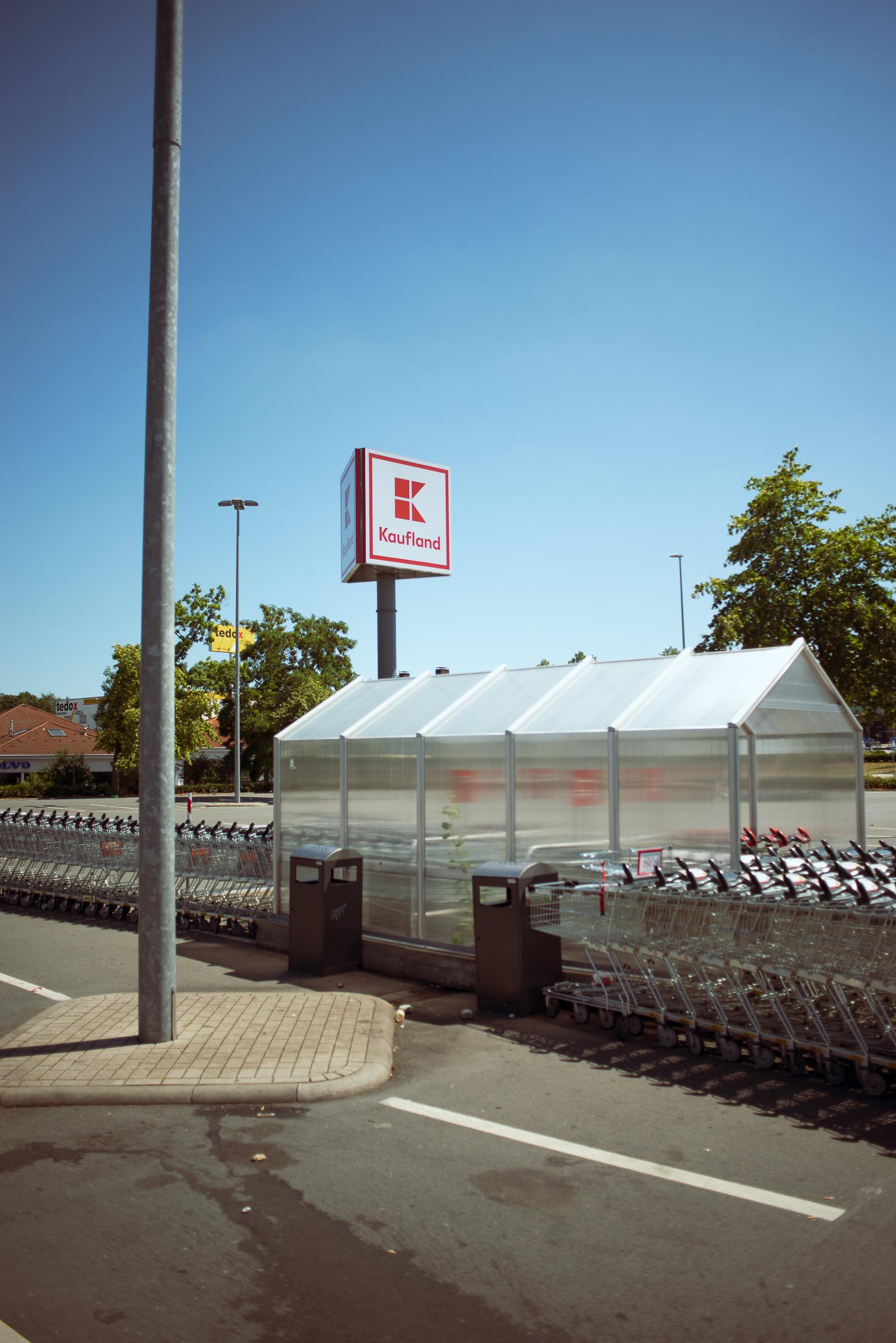 Supermarkt-Parkplatz_Kaufland_20180708_0304_2500px.jpg