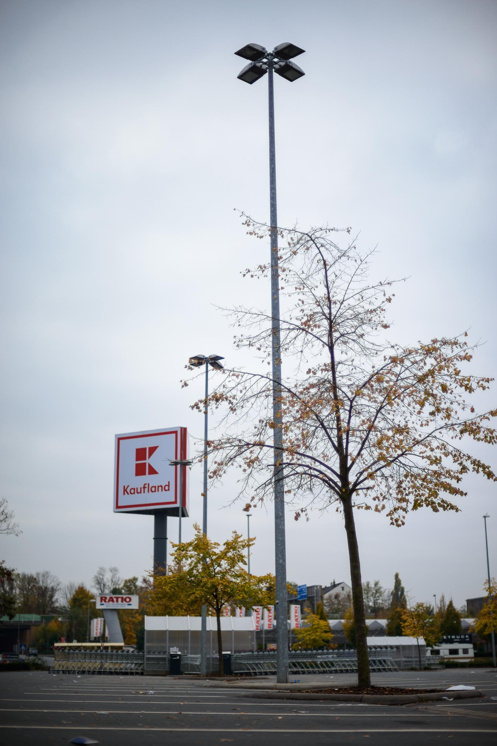 Supermarkt-Parkplatz_Kaufland_20181104_0022_2500px.jpg