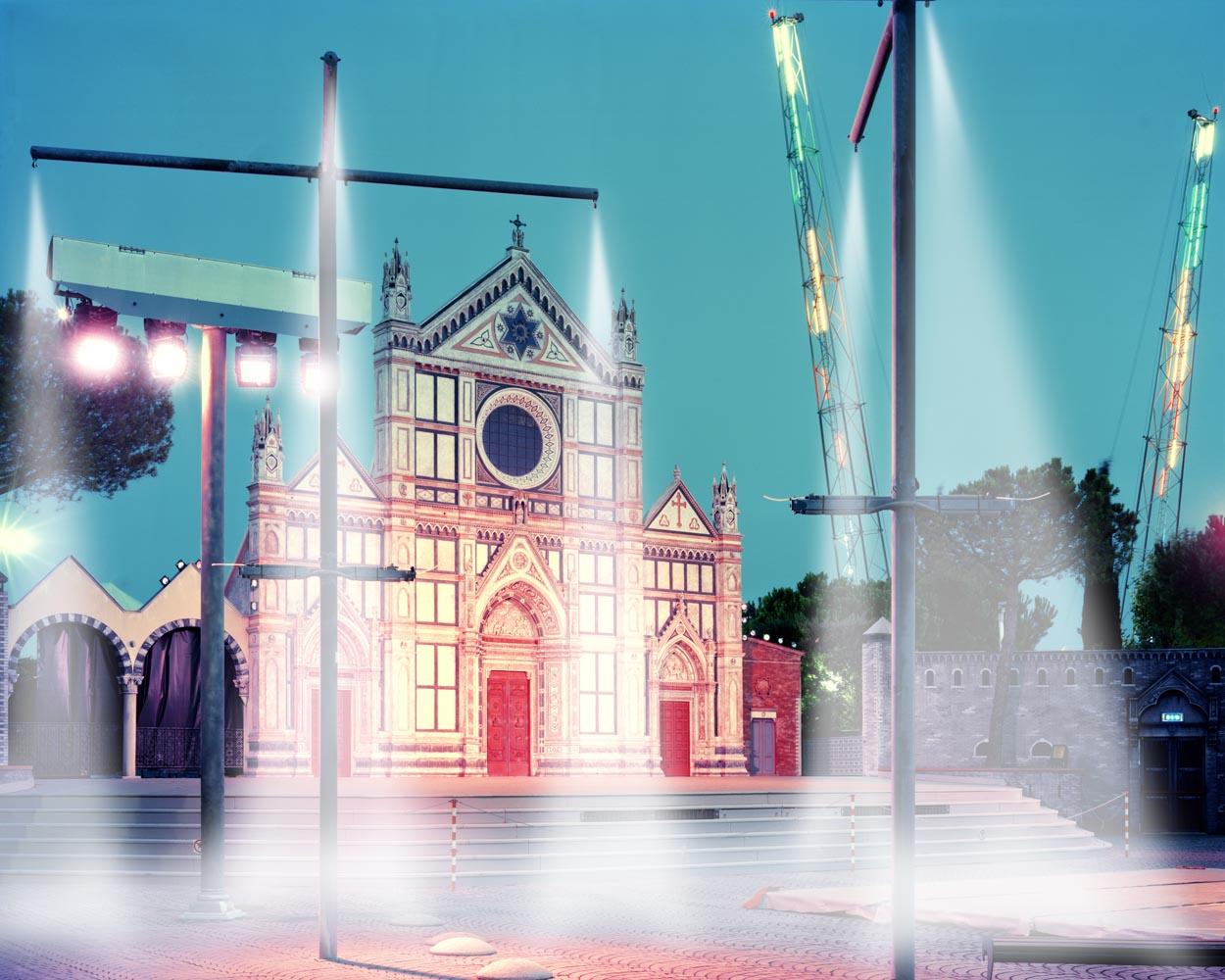Little Italy #10, 2010 C-print on Diasec o stampa digitale su carta Hahnemuhle, cm 170x200 - 80x100 - 39x47,5 - 42x60 (ed. 3 - ed. 5 - ed. 20 - ed. 20)
