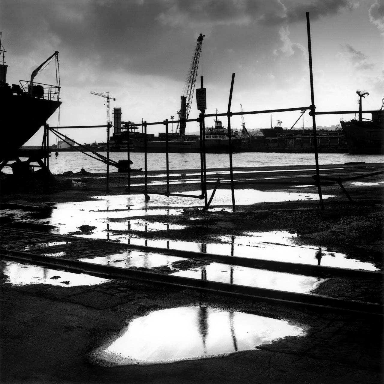 Pozzanghere, porto di Napoli, 2001 Stampa digitale su carta Hahnemuhle, cm 100x100 / 120x120 / 140x140 (ed. 6 + 1AP)