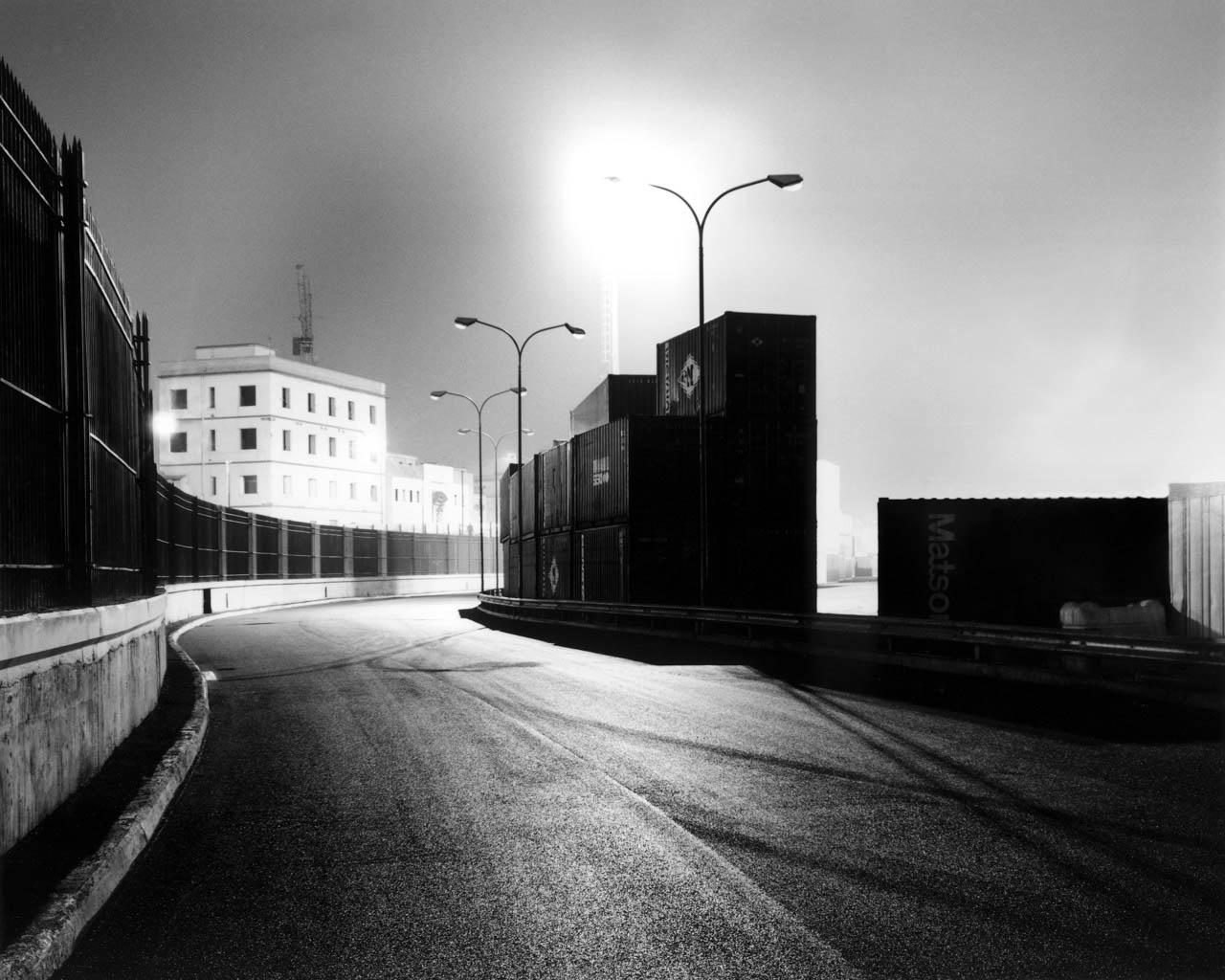 Strada interna, porto di Napoli, 2001 Stampa digitale su carta Hahnemuhle, cm 100x120 / cm 120x140 (ed. 6 + 1AP)
