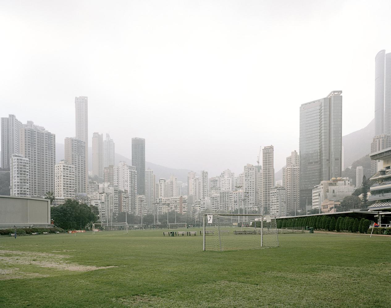 Happy Valley ,   Hong Kong 2014 Archival Print su carta cotone cm 110 x 140 (60x80) ed 5