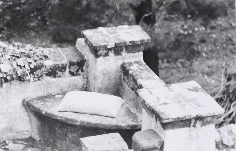 Ettore Spalletti,  cuscino (Pillow),  1976, cemento (Concrete)