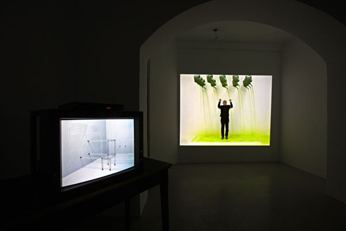 John Wood & Paul Harrison, video installazione Studio Trisorio Roma (C).jpg