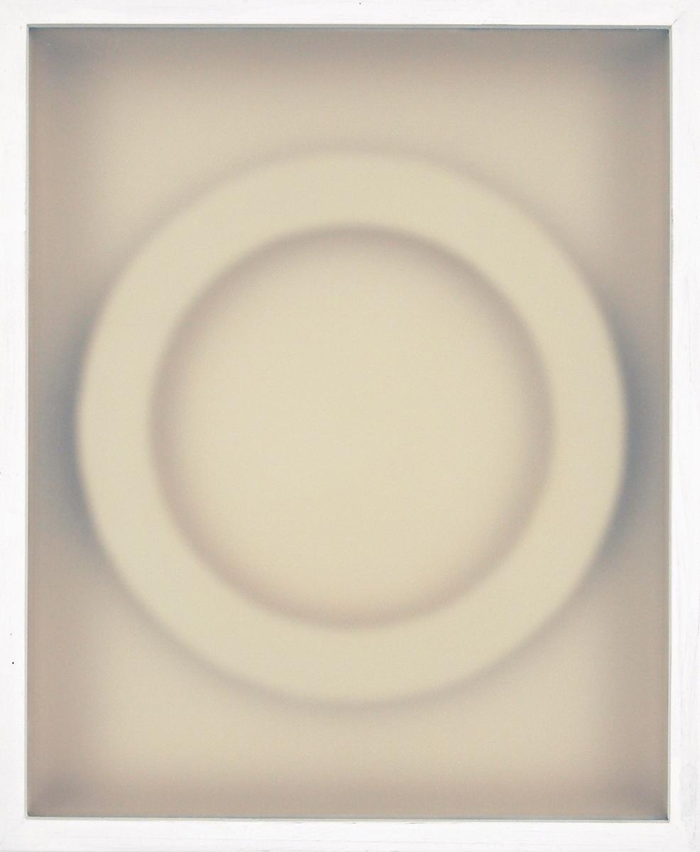 Corpi fragili , 2015    Vetro, legno, carta, cm 30,5 x 25
