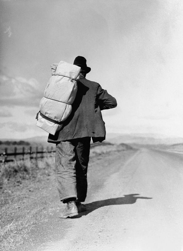 Dorothea Lange,  Migrant Worker on California Highway , 1935, cm 51x70, framed cm 81x66