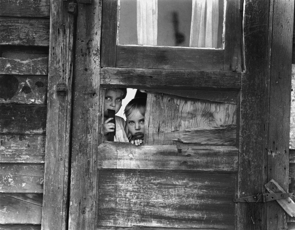 Dorothea Lange,  Camp near Shafter , California, 1940, cm 54,6x70, framed cm 81x66