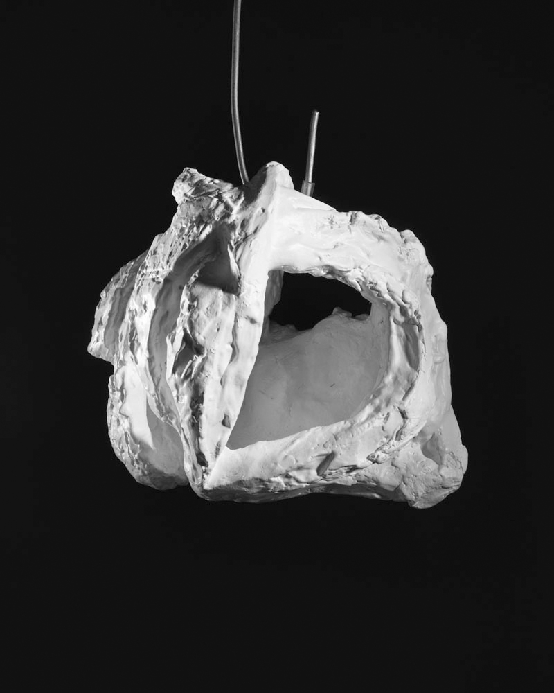 Lair , 1962,Bronze, painted white, hanging piece,24.1 x 25.4 x 22.9 cm,edition 4/6, 1 AP Ph Christopher Burke © The Easton Foundation/SIAE
