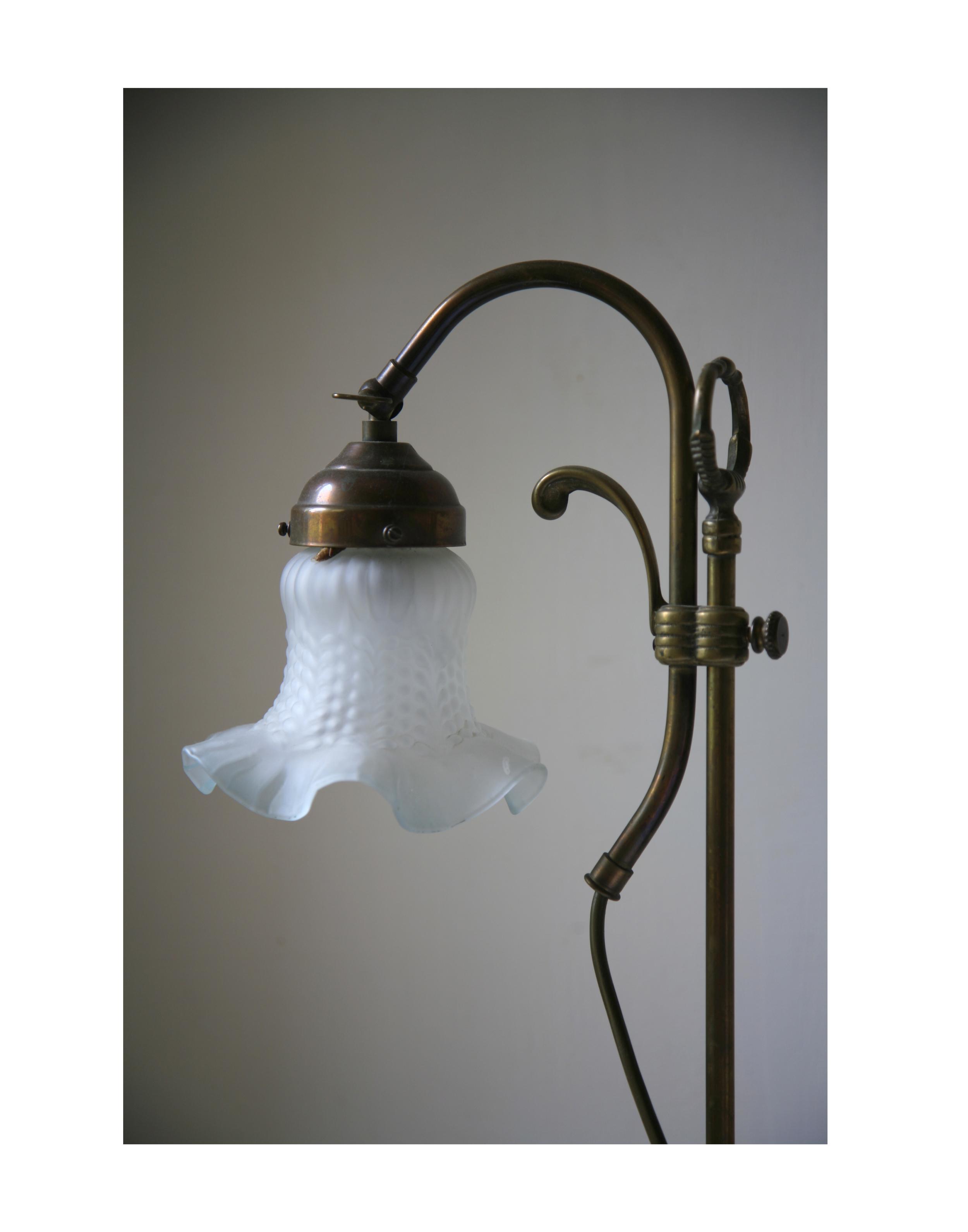 Chateaux Leboulin Lamp.jpg