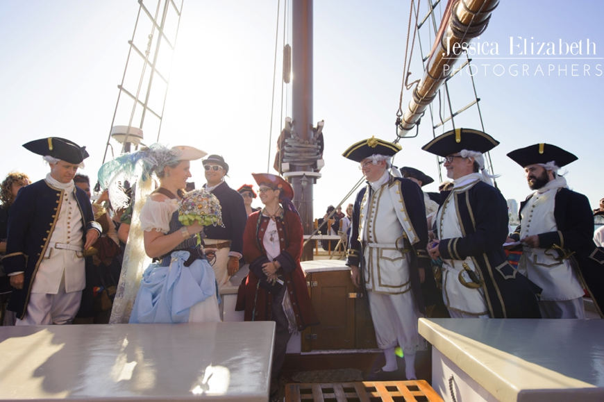 20-Tallship-American-Pride-Wedding-Long-Beach-Jessica-Elizabeth-Photographers-700_0591_-w.jpg