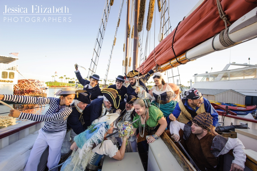 37-Tallship-American-Pride-Wedding-Long-Beach-Jessica-Elizabeth-Photographers-700_0988_-w.jpg