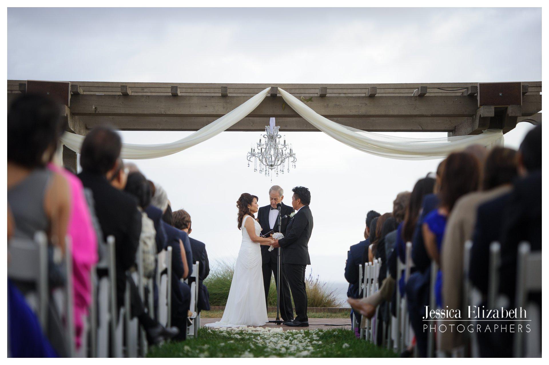 12-Terranea-Palos-Verdes-Wedding-Photography-by-Jessica-Elizabeth-w.jpg